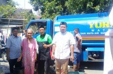 LAZISNU-LPBI PCNU Kabupaten Cirebon Kirim Air Bersih Bantu Warga Kekeringan di Sedong