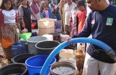 Kemarau Panjang, Lazisnu-LPBI PCNU Kabupaten Cirebon Distribusikan Air Bersih